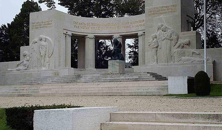 Monumentul Armatei Negre din Reims