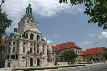 Munchen - Bavarian National Museum