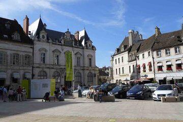 Beaune - Place de la Halle