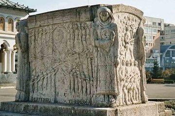 Targu Jiu - Monumentul Ecaterinei Teodoroiu