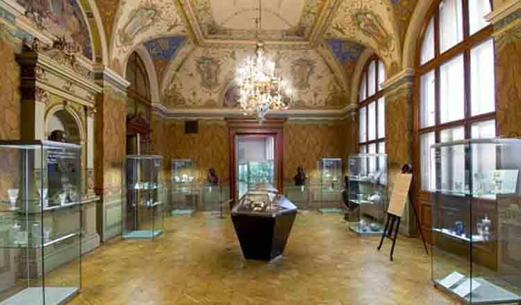 Muzeul de Arta Decorativa