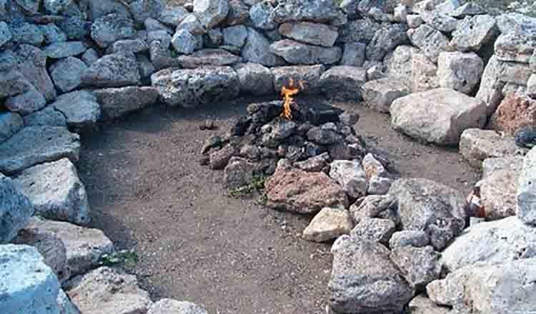 Mormintele de piatra