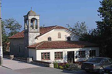 Kavarna - Bisericile crestine