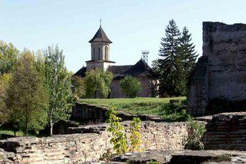 Targoviste - Biserica Sf. Vineri