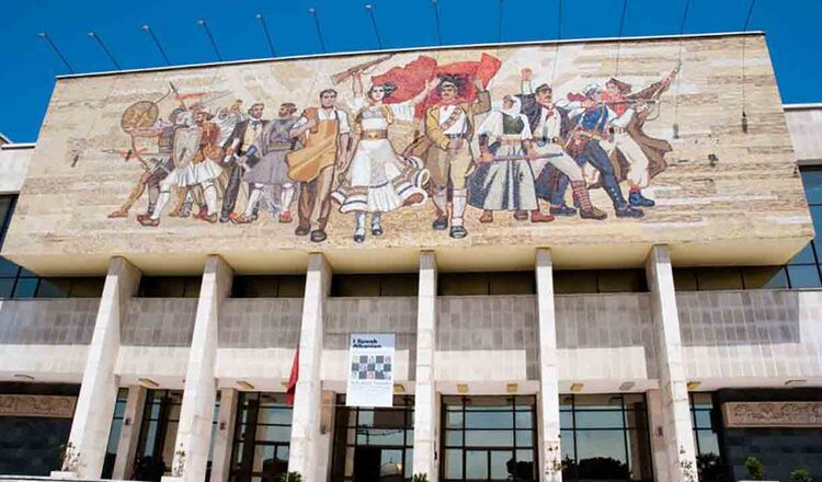 Muzeul National de Istorie Tirana