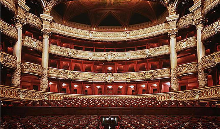 Plimbare de la Opera Garnier