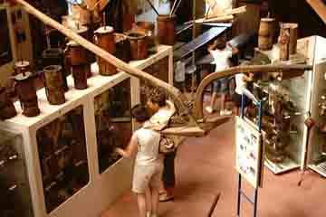 Lourdes - Musee Pyreneen d'Art et de Traditions Populaires