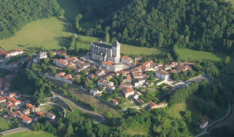 Obiective turistice Saint Bertrand de Comminges din Franta