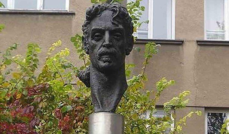 Statuia lui Frank Zappa