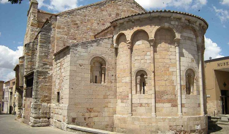 Biserica Santa Maria la Nueva