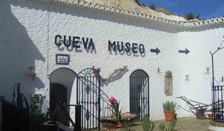 Cueva Museo