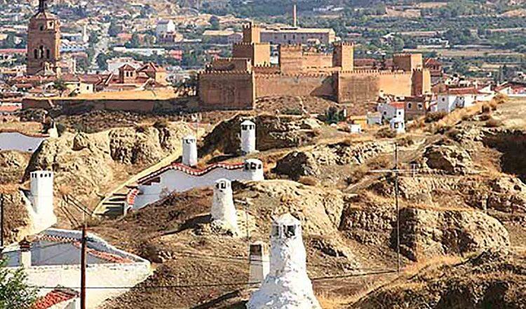 Obiective turistice Guadix din Spania