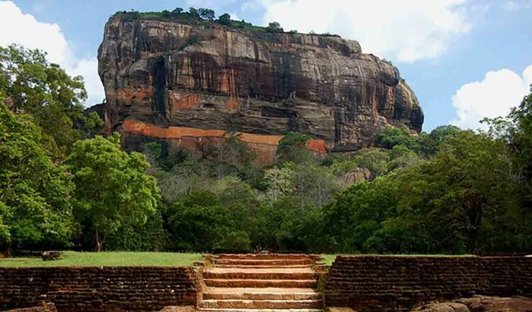 Cetatea Sigiriya, un loc magic care merita vazut cel putin o data in viata