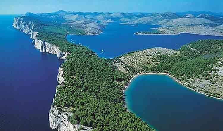 Obiective turistice Insula Dugi Otok din Croatia
