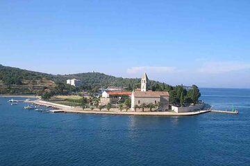Insula Vis - Luka