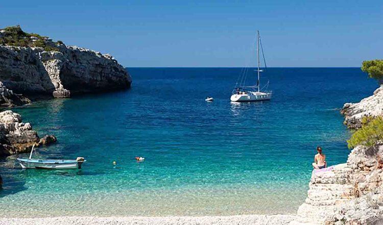 Obiective turistice Insula Vis din Croatia
