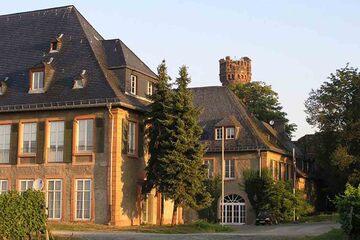 Oestrich Winkel - Schloss Reichartshausen