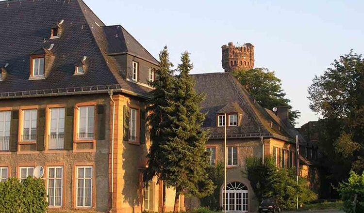 Schloss Reichartshausen