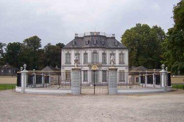 Bruhl - Jagdschloss Falkenlust