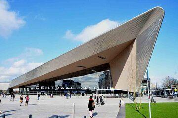 Rotterdam - Centraal Station si Station Rotterdam Blaak
