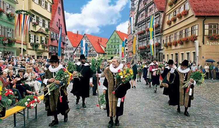 Obiective turistice Dinkelsbuhl din Germania