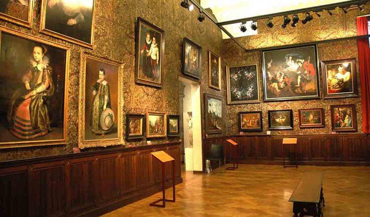 Muzeul Mayer van den Bergh