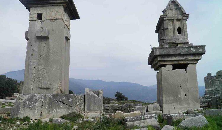 Mormintele Lyciene