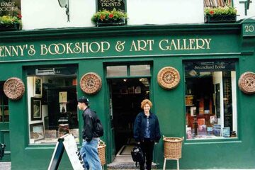 Galway - Kenny's Bookshop