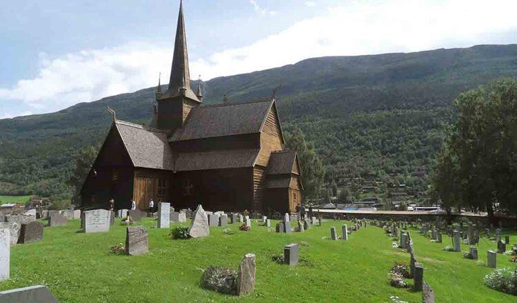 Obiective turistice Lom din Norvegia